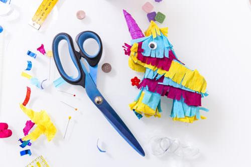 Forbice da sarta e aghi - Unicorno colorato
