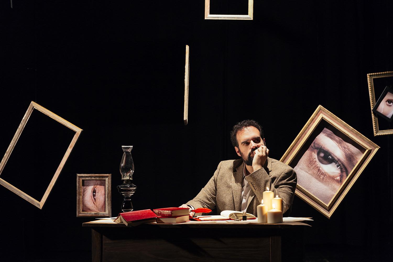 Gaetano Colella, ritratto attore, scenografia